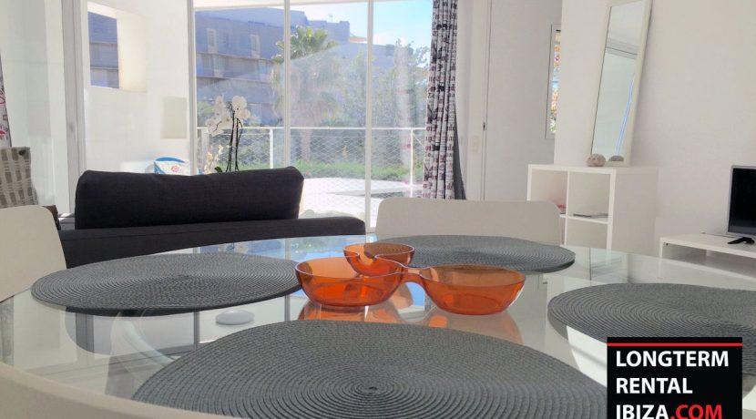Long term rental Ibiza Patio Blanco En 3