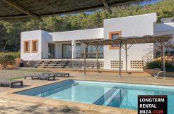 Villa Dos Valles with touristic license
