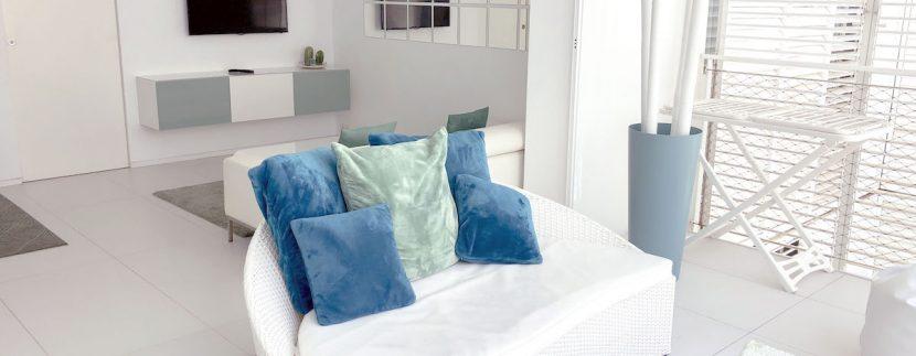 Long term rental Ibiza - Patio Blanco Cipriani 2