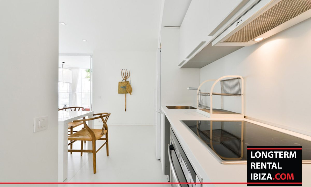 Long term rental Ibiza - Patio Blanco Jardín 11