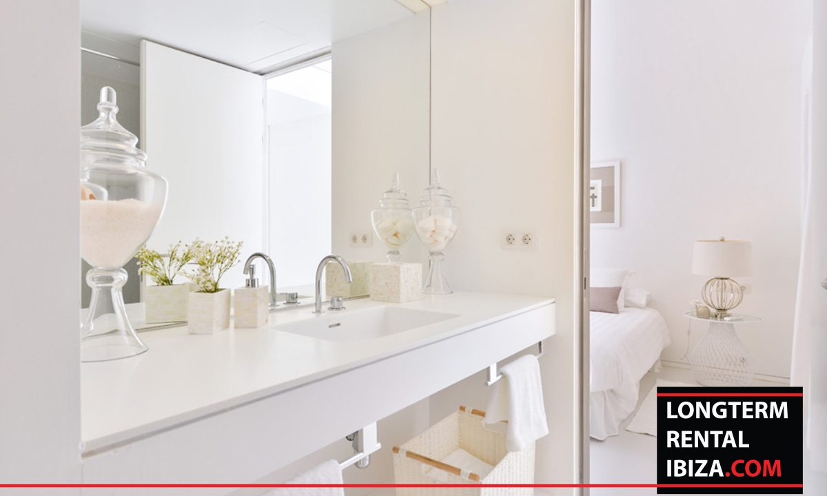 Long term rental Ibiza - Patio Blanco Jardín 16