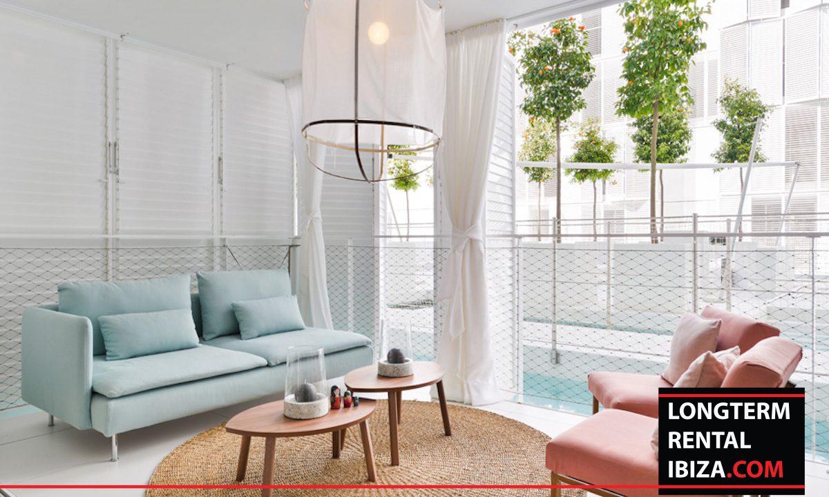 Long term rental Ibiza - Patio Blanco Jardín 2