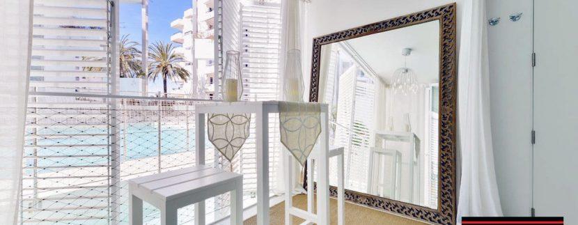 Long term rental Ibiza - Patio Blanco Pacha - With private garden