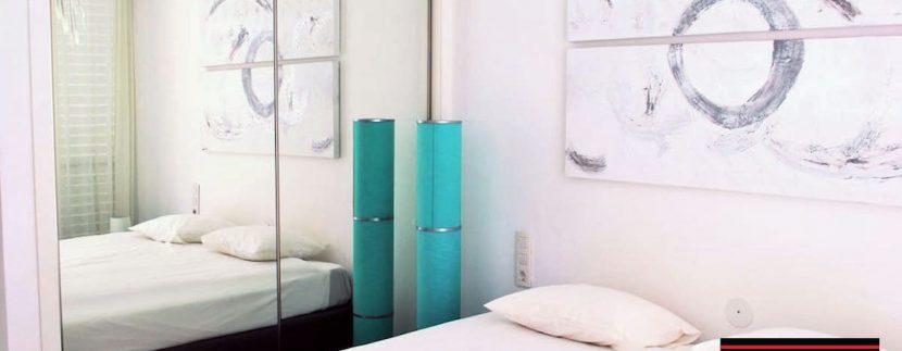 Long term rental Ibiza - Patio Blanco Pacha 13