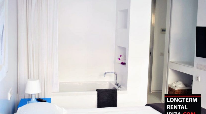Long term rental Ibiza - Patio Blanco Pacha 18