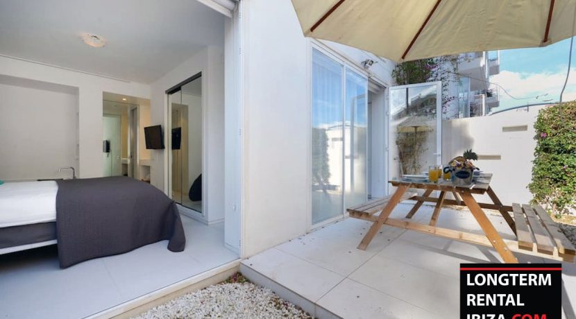 Long term rental Ibiza - Patio Blanco Pacha 19