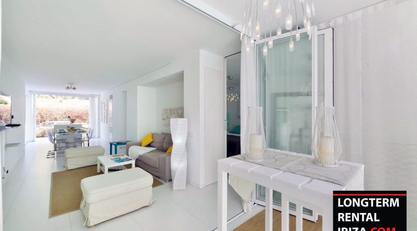 Long term rental Ibiza - Patio Blanco Pacha 2
