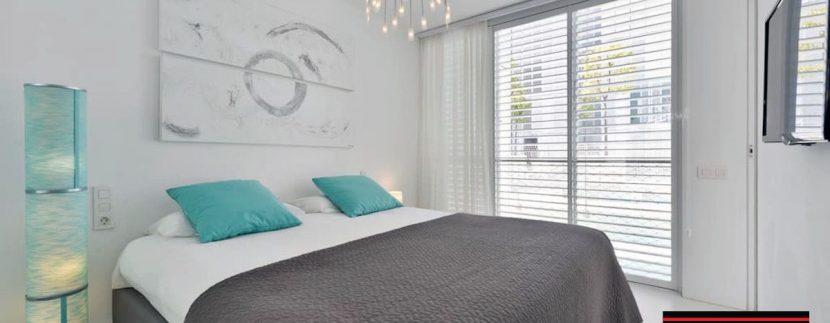 Long term rental Ibiza - Patio Blanco Pacha 3