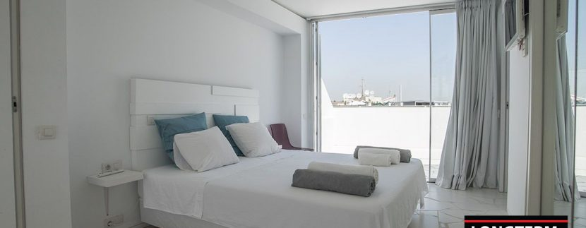 Long term rental Ibiza - Penthouse Las boas Amnesia13
