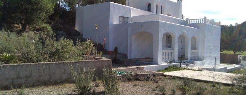 Long term rental Ibiza - Casa Escuela24